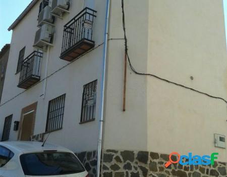 Casa independiente en venta en calle peña, 28.