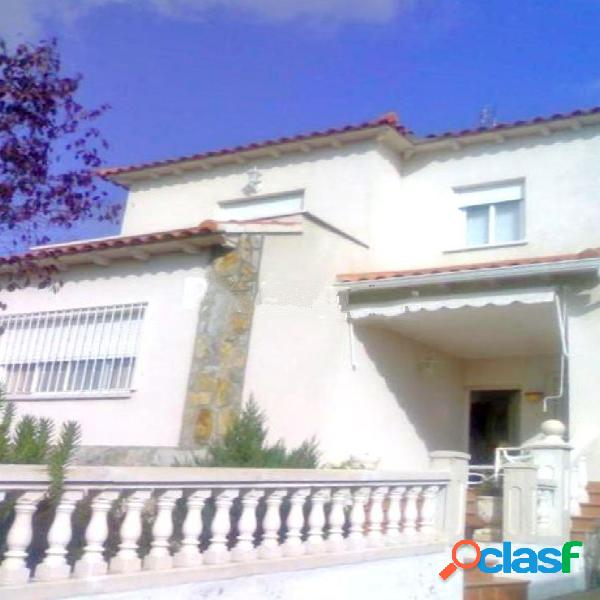 Casa o chalet independiente en venta en calle General Mola,