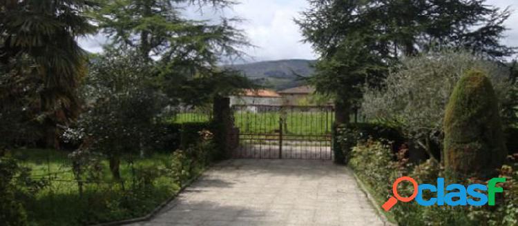 Casa o chalet independiente en venta en calle la Lastra, 28,