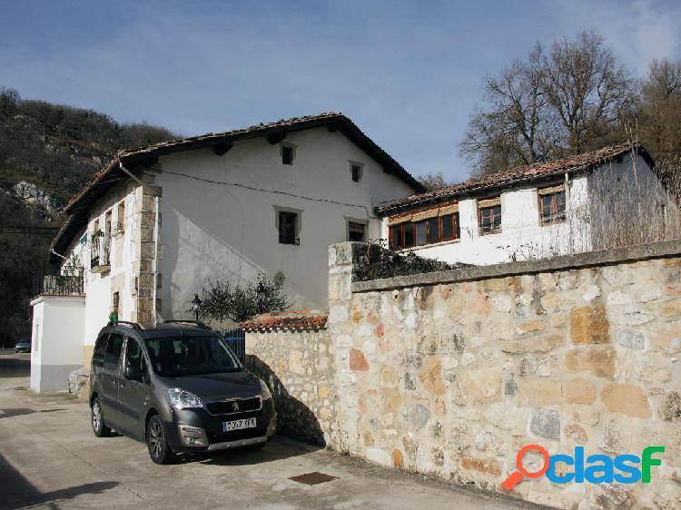 Casa rústica en venta situada en el concejo de Vírgala