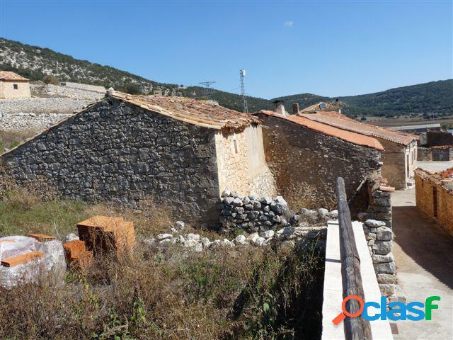 Chalet adosado en venta en Villasayas, Soria