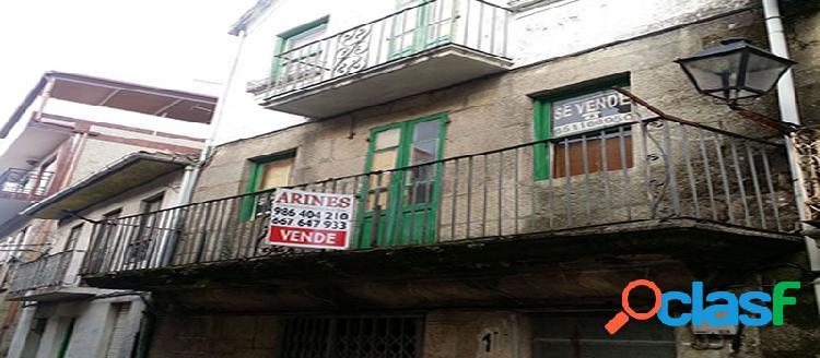 Chalet adosado en venta en c/ Isidoro Queimaliños 17,