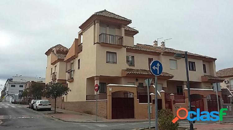 Chalet adosado en venta en calle Játiva, 47, Zona