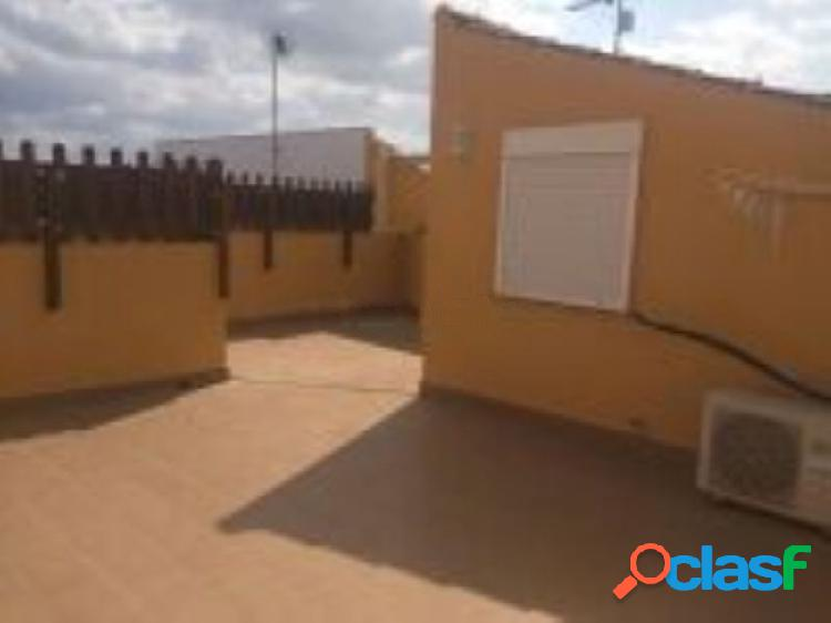 Chalet pareado en venta en calle Juan de la Cierva, 27, Las