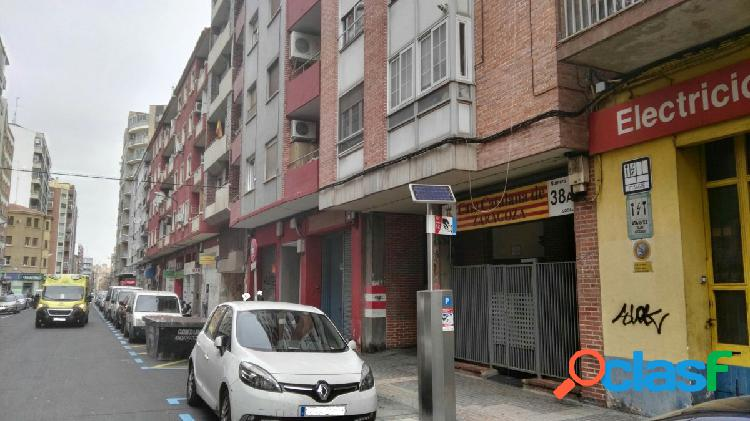 Plaza de Garaje en Calle Escosura
