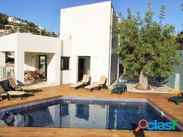 Casa moderna entre de Moraira y Benissa con vistas al