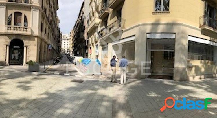 """Local en alquiler junto a la zona comercial de """"Plaça"""