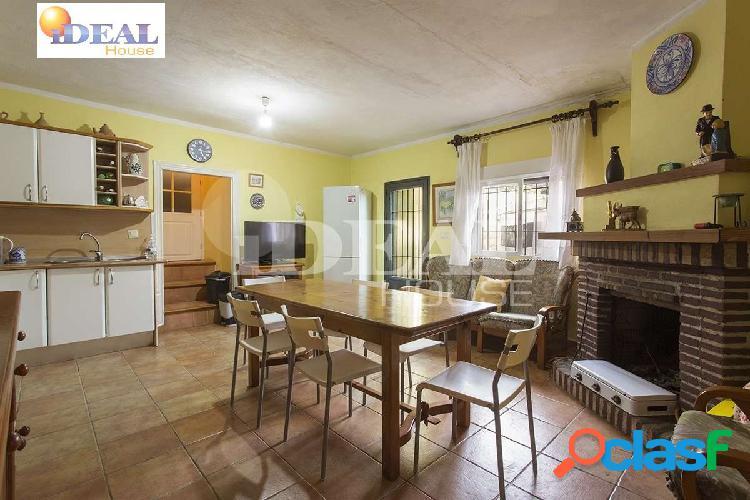 Ref: A4045V5. Casa con Invernadero en Torrenueva.