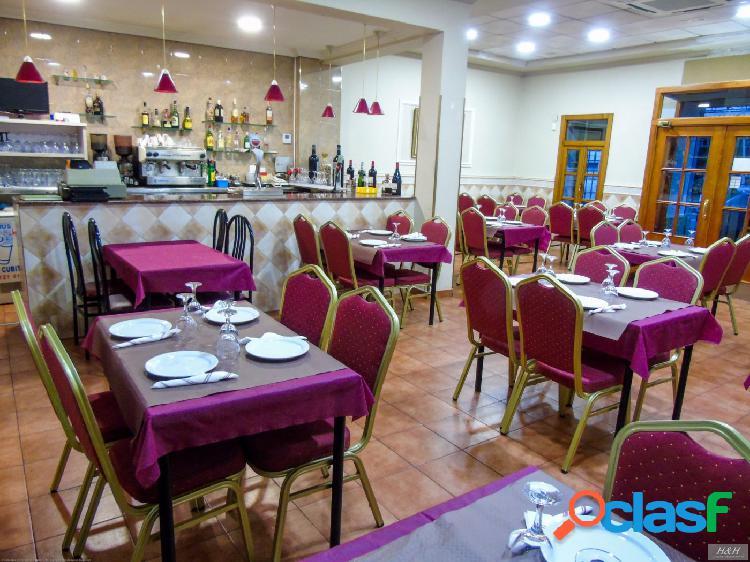 Se vende Bar-restaurante en pleno centro de Burjassot. / HH