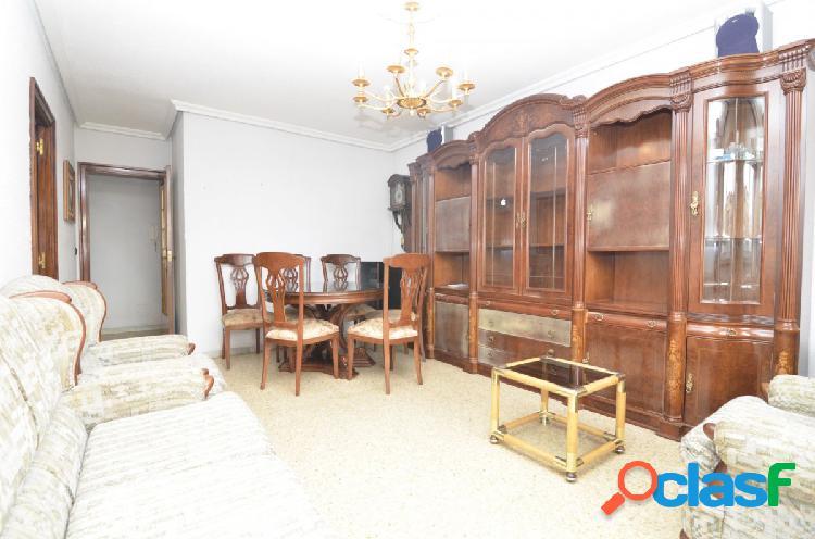 Urbis te ofrece un estupendo piso en venta junto al Museo