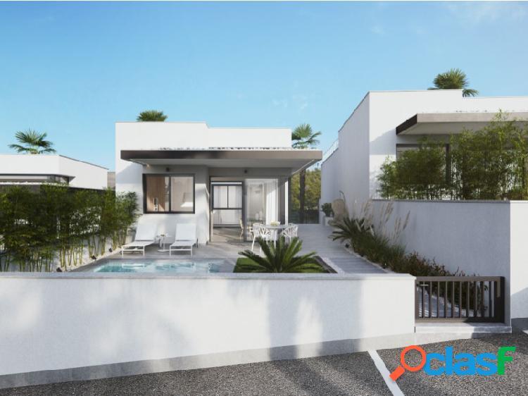 Villa de obra nueva en San Miguel de Salinas