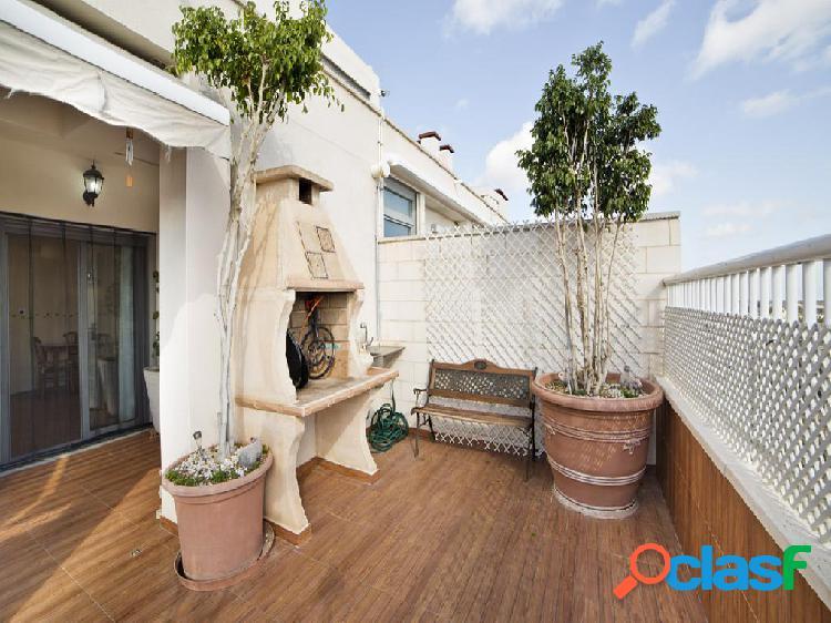 Ático en venta de 600 m2 en Elche/Elx (Alacant)