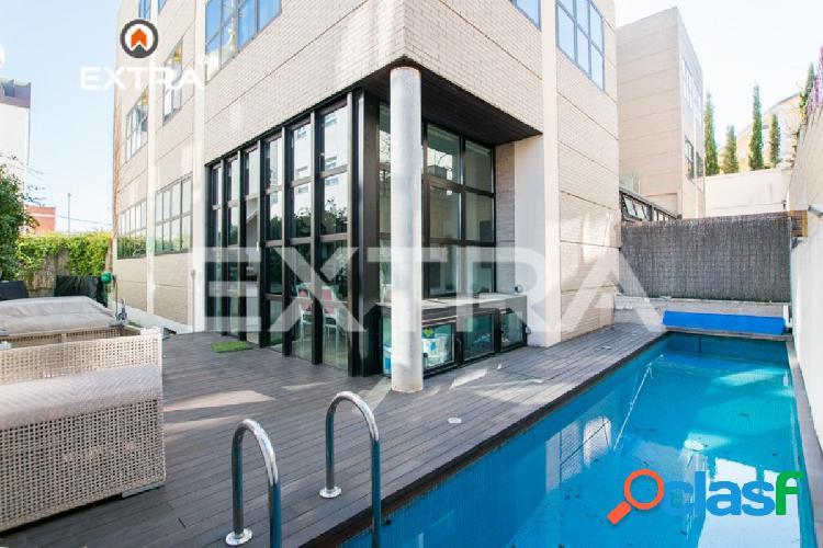 Chalet de lujo con piscina en zona Arturo Soria, a solo 7
