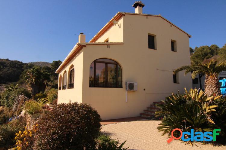 Encantadora casa de campo a la venta en la zona de Benissa