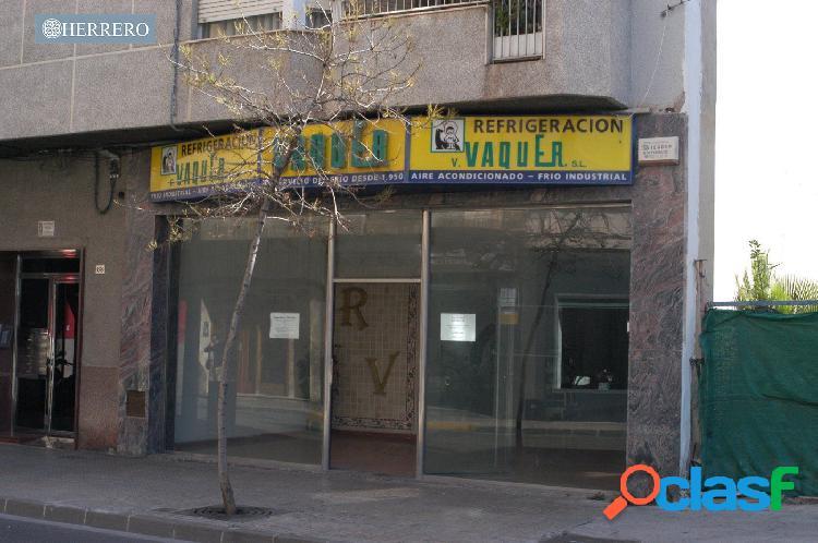 Gran Local Comercial en el centro de Gandía