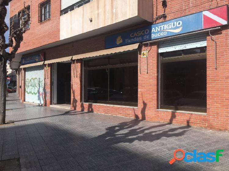 LOCAL EN LA FLOTA, PRÓXIMO AL JARDÍN DE LAS 3 COPAS