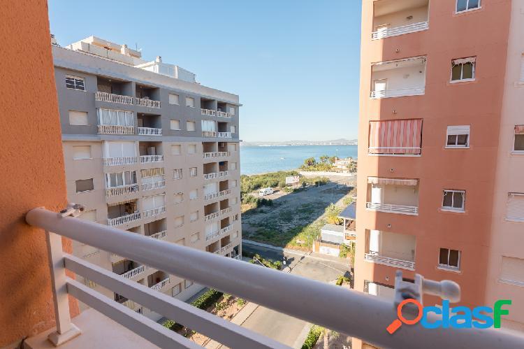 Magnifico apartamento, seminuevo, en La Manga del mar menor.