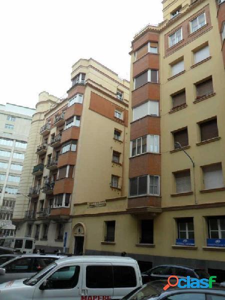 Piso en venta en calle Sotomayor, zona Cuatro Caminos, 28003