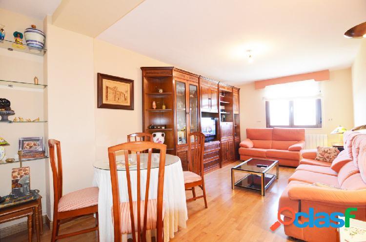 Urbis te ofrece un piso en venta en El Zurguen.