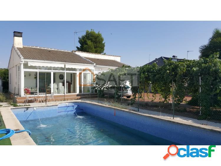 Estupendo chalet independiente con piscina a tan sólo 25