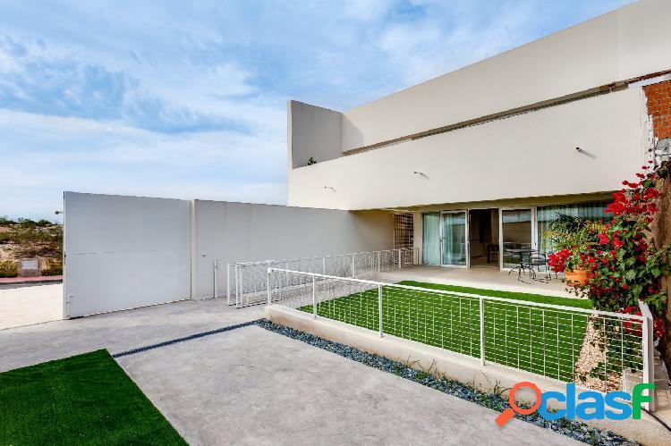Nueva construcción, Apartamento en planta baja con jardín
