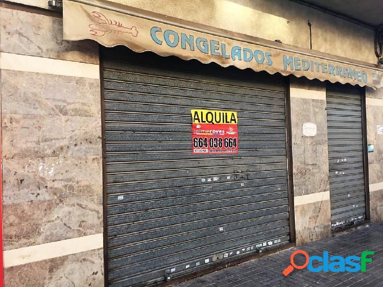 SECTOR 5 LOCAL EN CALLE MUY COMERCIAL CON SALIDA DE HUMOS