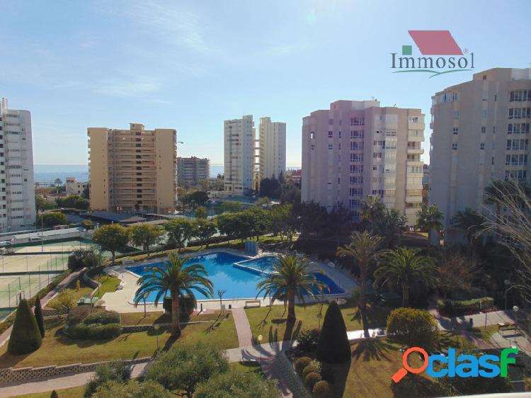 Se vende apartamento con vistas al mar en playa de San Juan