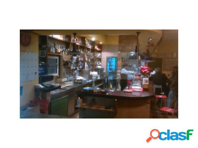 Traspaso Bar Restaurante 360m² con terraza en zona
