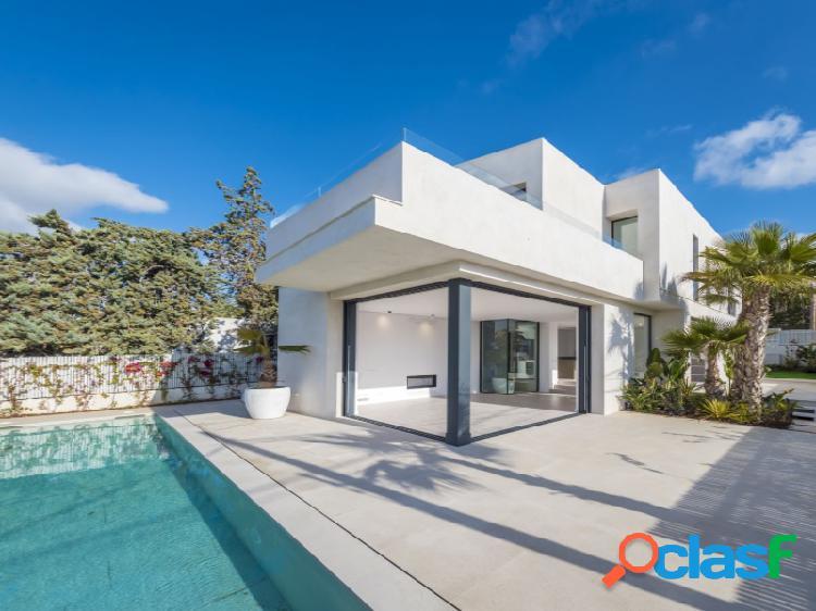 Villa de lujo a estrenar con vistas al mar y Dalt Vila