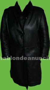 Abrigo 3/4 negro, de piel