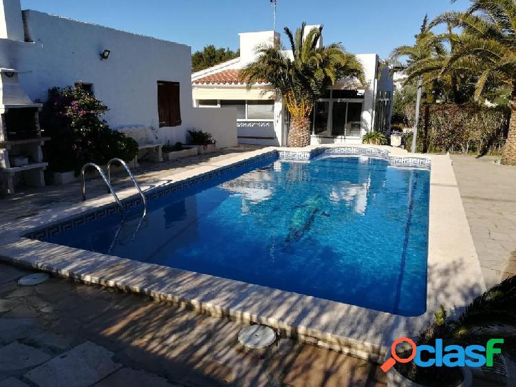 Casa en venta de 120m2 en Calle Coll de Balaguer.