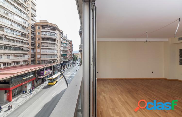 Magnífico piso en Gran Vía, NUEVO A ESTRENAR y con plaza