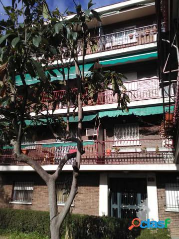 Piso en venta de tres dormitorios en Calle Nicolás Usera,
