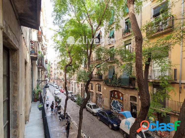 Piso en venta en Carrer del Portal Nou, Barcelona. Barcelona