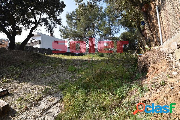 Valldoreix – Parcela de 825m2 en zona residencial y