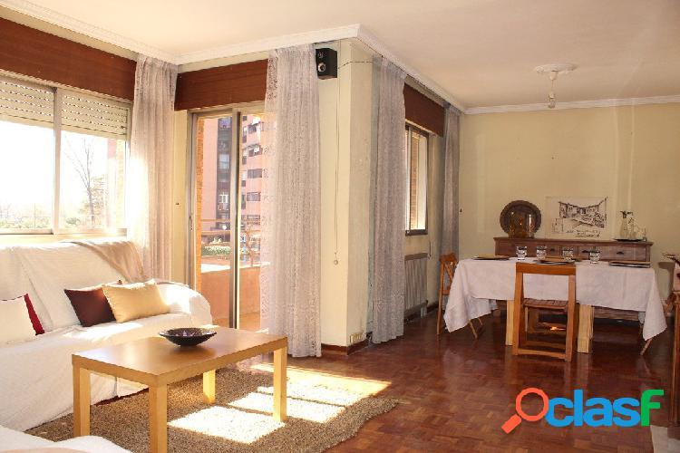 Vendemos piso con orientación sur y cochera en El Carrascal
