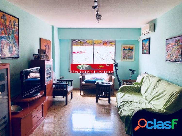 Vivienda en Campoamor, 4 hab y 2 baños, amueblada y