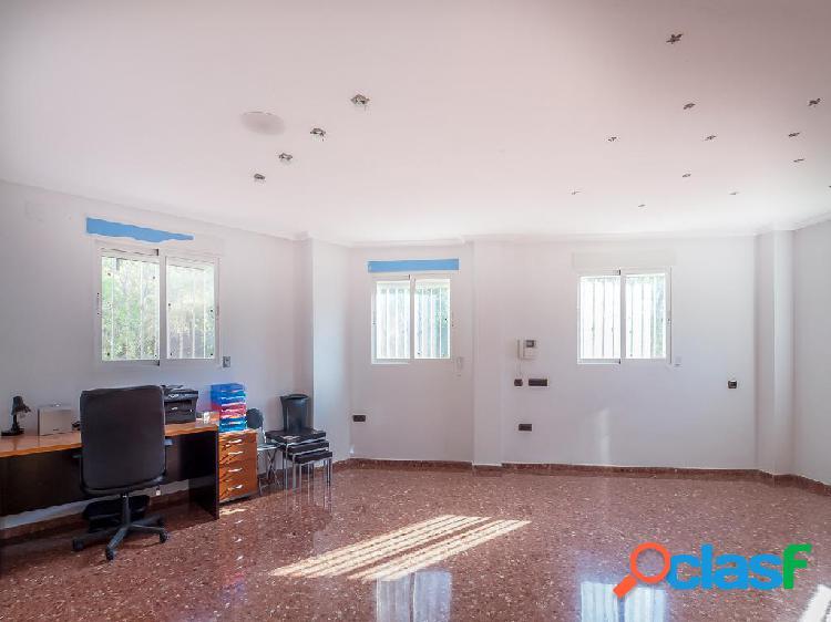 Chalet en venta de 400 m2 en Calle Manuel Pastor, Gátova