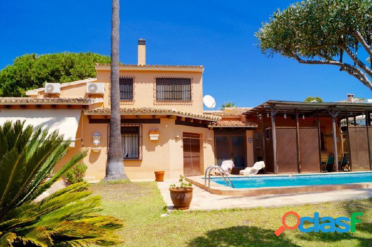 Gran villa de estilo mediterrá