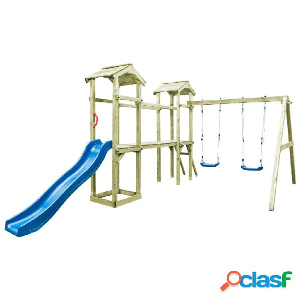 Parque infantil con escalera, tobogán y columpios de madera