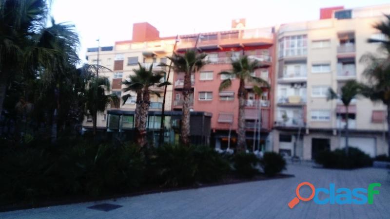 Piso Céntrico en venta en la Plaza Blanes de El Prat de