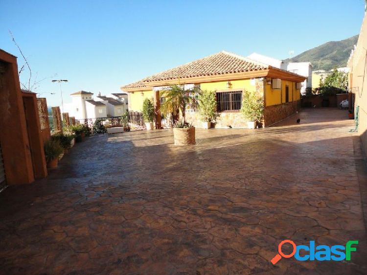 CASA INDEPENDIENTE + 2 APARTAMENTOS - ARROYO DE LA MIEL -