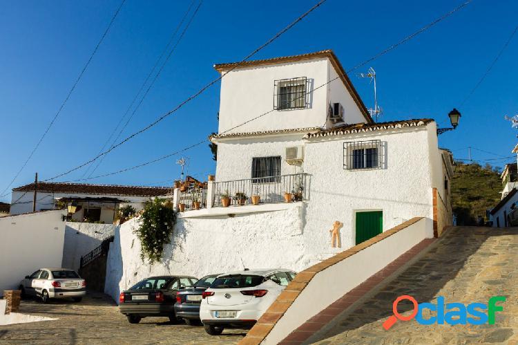 Casa de pueblo con maravillosas vistas a la montaña