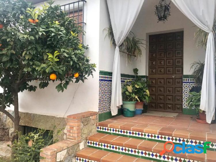 Chalet independiente con piscina en Cijuela,