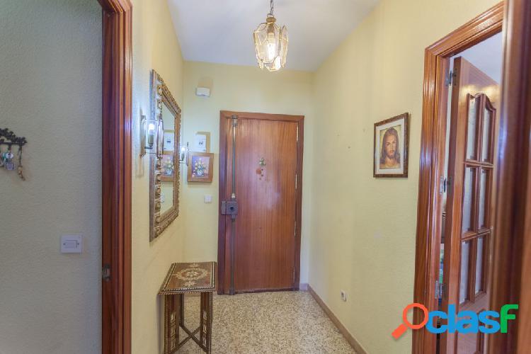 Gran piso de 4 habitaciones en el centro de Torremolinos