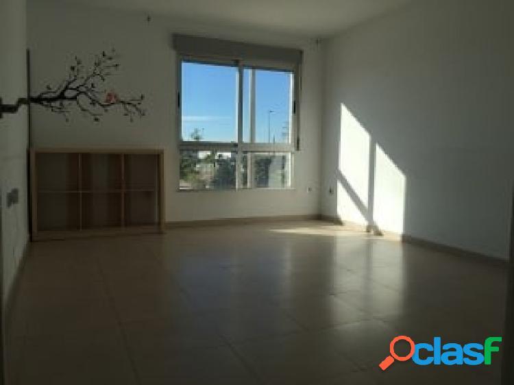 Obra semi nueva de 3 dormitorios y dos baños en Molina con