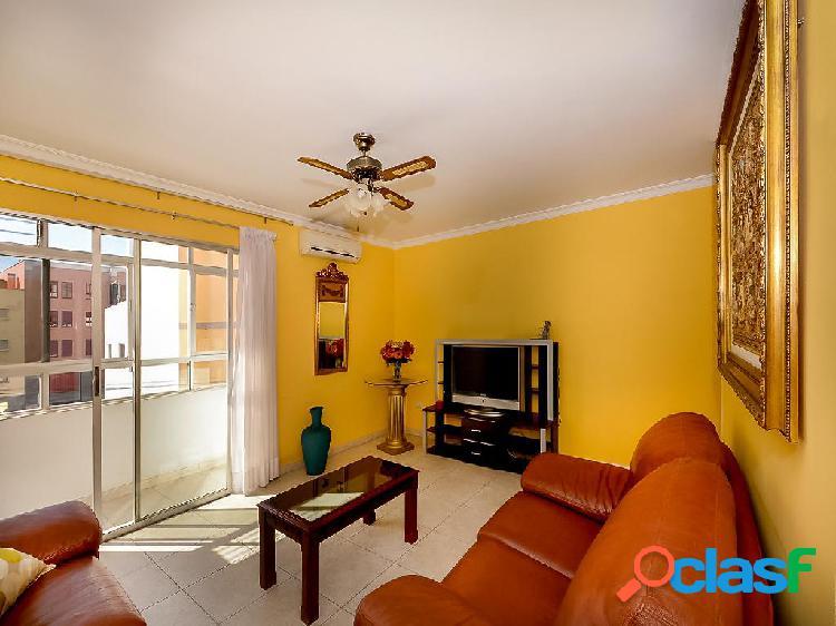 Piso en venta de 90 m² en Calle Alférez Quintana Suárez