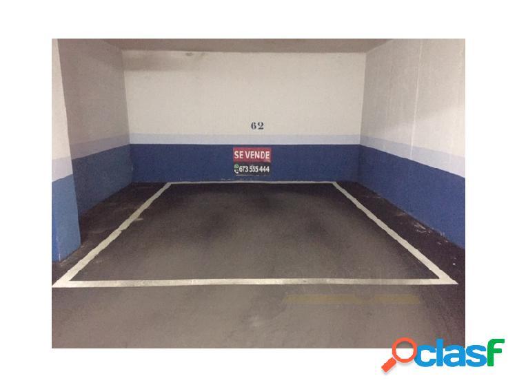 Plaza de garaje en venta en Avenida OSA MENOR 16, -2 62