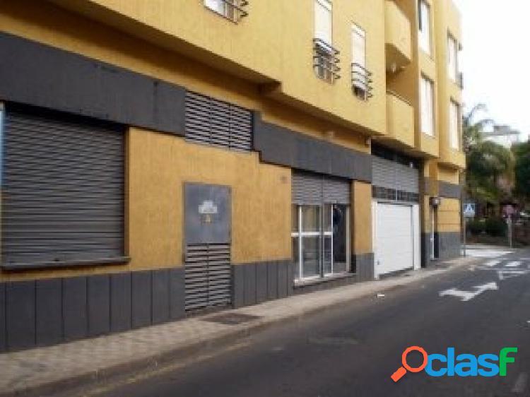 LOCAL COMERCIAL EN FINCA ESPAÑA