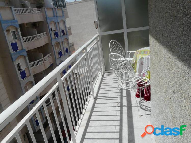 PISO MUY SOLEADO A 50M2 DE LA PLAYA DE LOS LOCOS CON GARAJE
